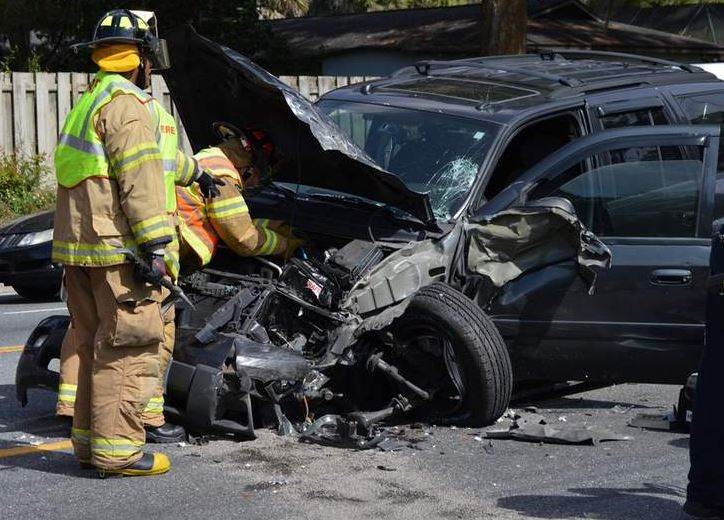 Ocala Post - 3 accidents within minutes on 17th Street