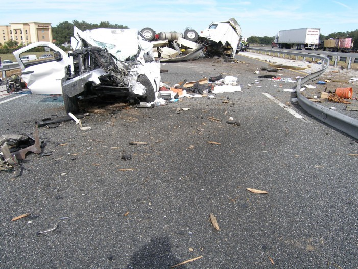 Fatal crash on I-75 leaves two dead and one critically injured