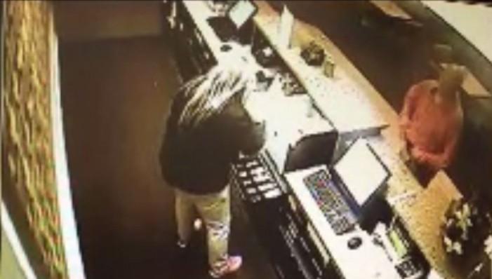 La Quinta employee robbed at gunpoint