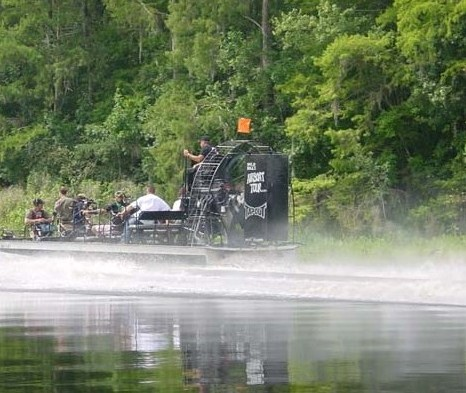 Airboat ejected 11 passengers during tour