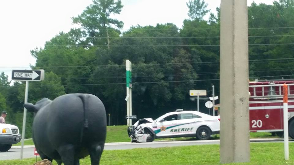 ocala news, marion ocunty news, deputy crashes into car, deputy hits car while responding to call
