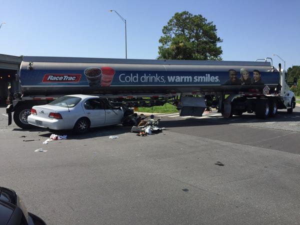 Family Dollar robbers crash during getaway
