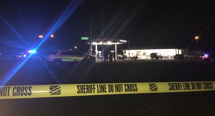 Shooting leaves deputy injured, suspect dead