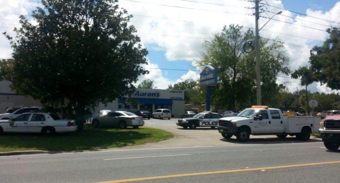 Man shoots himself at Ocala library complex