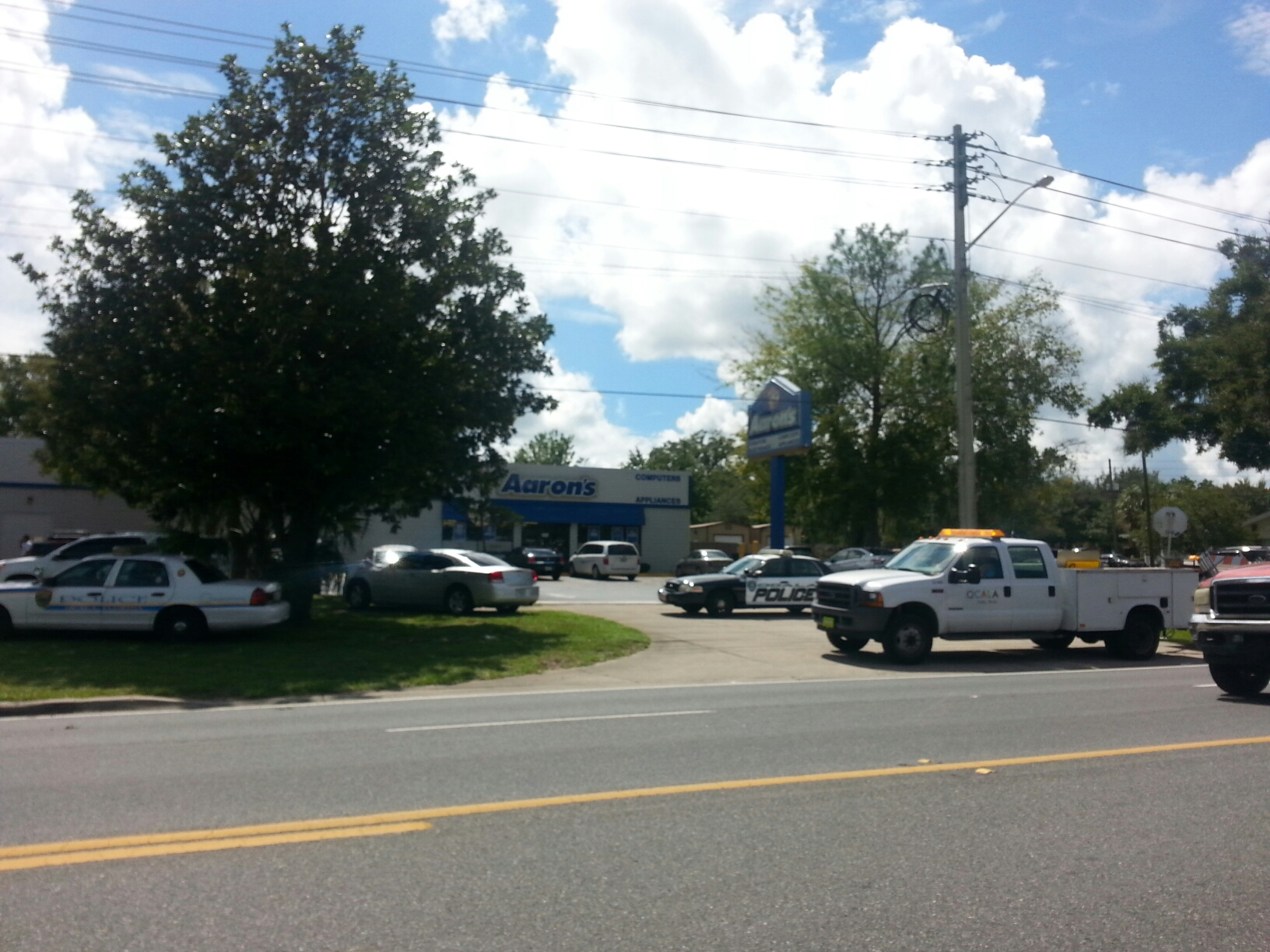 ocala library on lock down, suicide, opd swat, ocala library