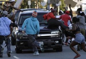 Blacks riot for Trayvon Martin