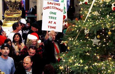 Grinch Governor Chafee Allows Christmas Tree