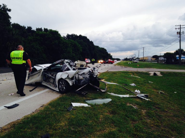 Mangled cars and one dead after fatal crash