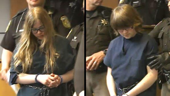 Morgan Geyser (left) and Anissa Weier, slender man stabbing