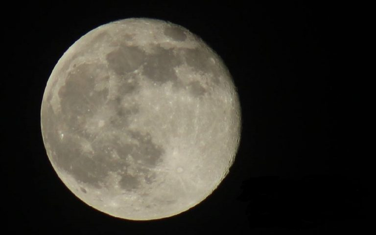 """Tuesday's """"supermoon"""" will be the largest and brightest full Moon this year"""